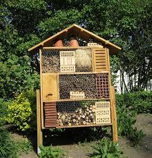 a quoi sert un h tel insectes. Black Bedroom Furniture Sets. Home Design Ideas