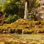 Jardin des fontaines pétrifiantes, fraîcheur, ombre, rivière, visite, activités, location, camping, tente, caravane, vercors, isère, pilat, rhône, ardèche, famille, balade